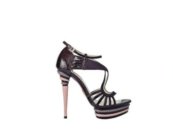 I sandali in pitone di Cesare Paciotti  41e8f8fe2e4
