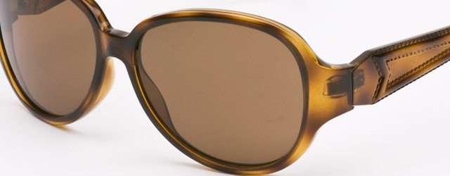 Per Max Mara l'occhiale da sole è classico
