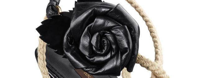 Le calzature di Louis Vuitton sono una cascata di rose