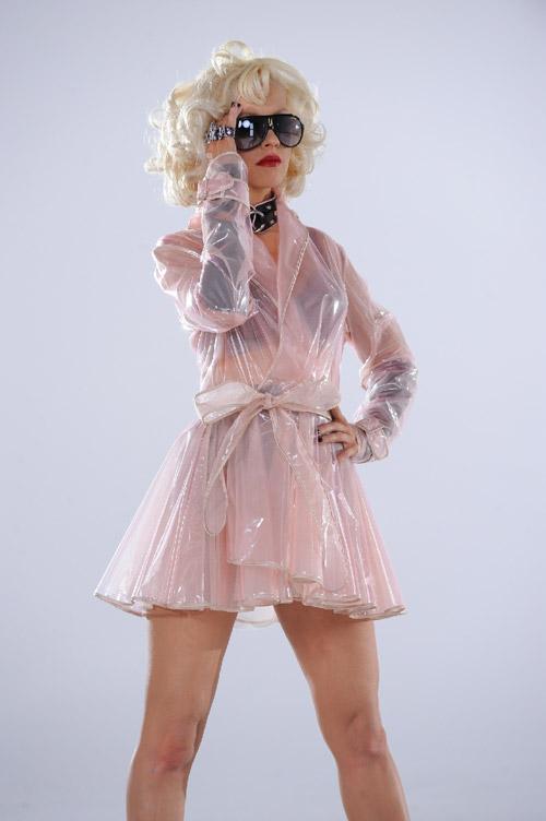 Christina Aguilera con Occhiali Carrera