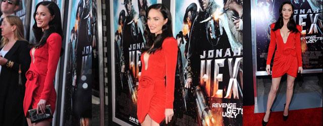 L'elegante abito rosso e gli accessori di Megan fox