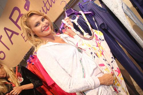 Star Chic Simona Ventura al Pitti