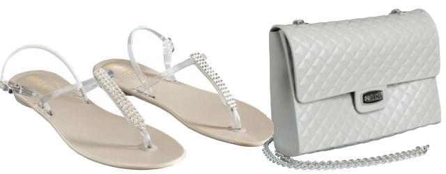 L'allegria dei sandali e delle borse in pvc