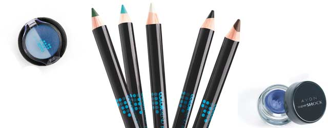 Avon colora di blu il make-up dell'inverno