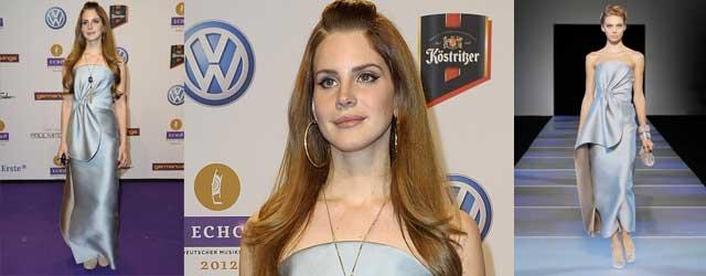 Sufficiente il look di Lana del Rey in Giorgio Armani