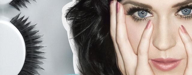 Uno sguardo da gatta con le ciglia finte firmate Katy Perry