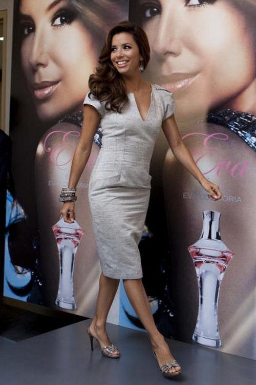 Eva Longoria indossa scarpe Ferragamo